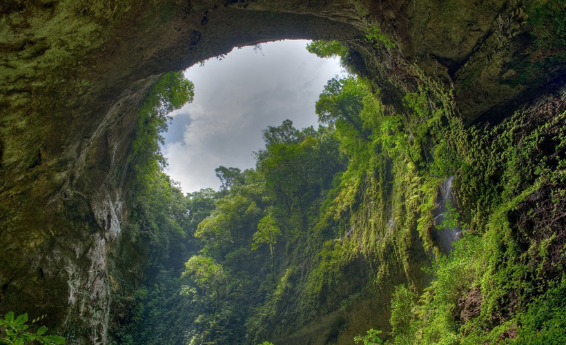 son-doong-cave-gate